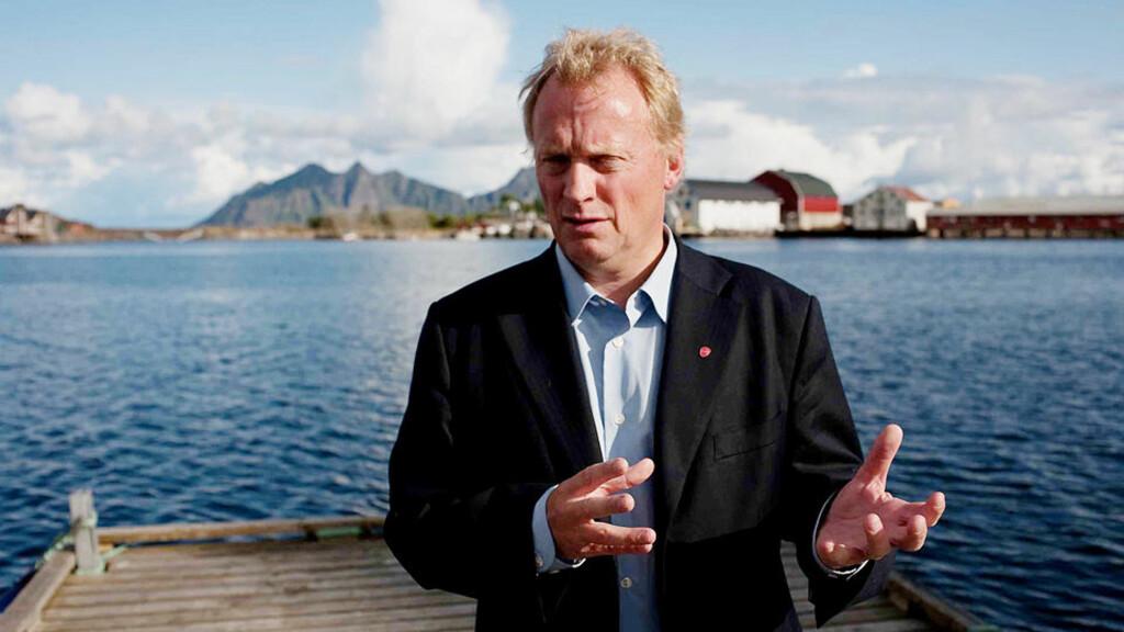KLAR TALE: Partisekretær i Arbeiderpartiet Raymond Johansen fortalte hva partiet mener om oljeutvinning i Lofoten og Vesterålen. Foto: Matias Nordahl Carlsen
