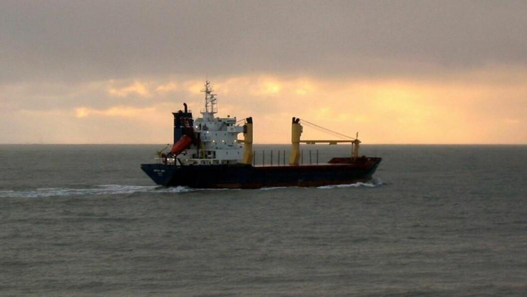 <strong>ARCTIC SEA:</strong> Skipet har 15 russiske besetningsmedlemmer og ble mest trolig kapret utenfor svenskekysten. Arctic Sea har vært savnet i tre uker og 20 land med Russland i spissen jakter nå skipet.   REUTERS/SOVFRACHT