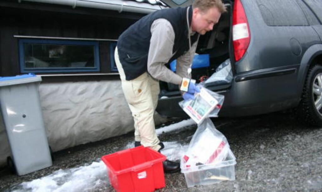 BESLAG: Politiet gjorde en rekke beslag hjemme hos Andersen i Bergen etter at han ble pågrepet 11. januar i fjor. Foto: Leif Stang