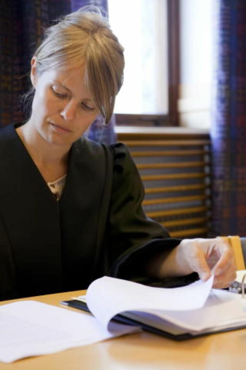 HAR ANKET:  Politidirektoratet har anket dommen i Majlo-saken. Her statsadvokat Ida Thue hos Riksadvokaten da søksmålet mot staten ble behandlet i tingretten i Trondheim tidligere i august. Foto: OLE MORTEN MELGÅRD.