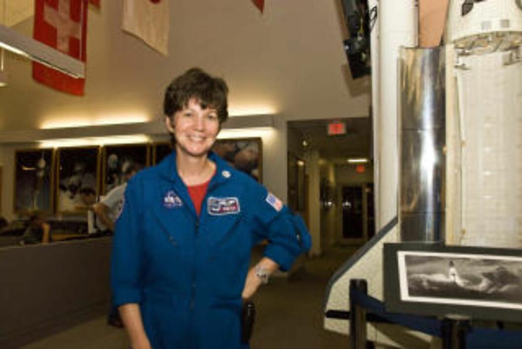 <strong>PÅ PLASS:</strong> Astronautveteran Cady Coleman var backupen til Nicole Stott som skal bytte plass med Tim Kopra om bord ISS. Coleman har to romferder bak seg. Foto: GEIR BARSTEIN