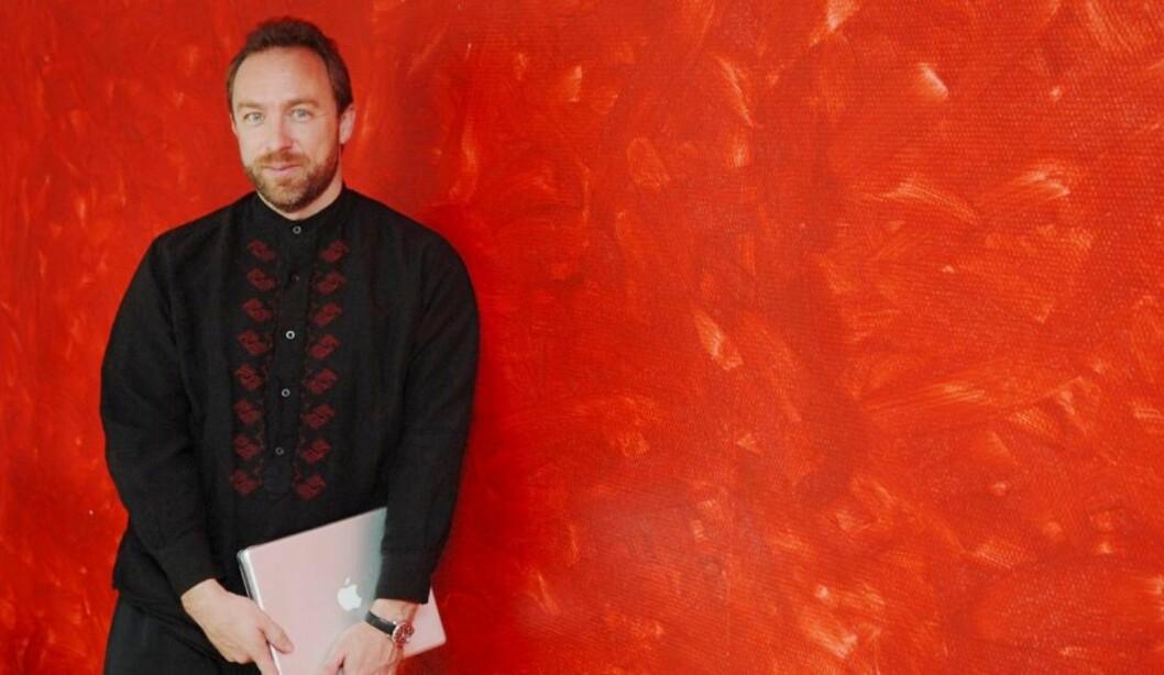 STRAMMER INN: Wikipedia-grunnlegger Jimmy Wales og hans kolleger i Wikimedia Foundation strammer inn reglene for brukerredigering av artikler om nålevende personer i nettleksikonet. Foto: SCANPIX