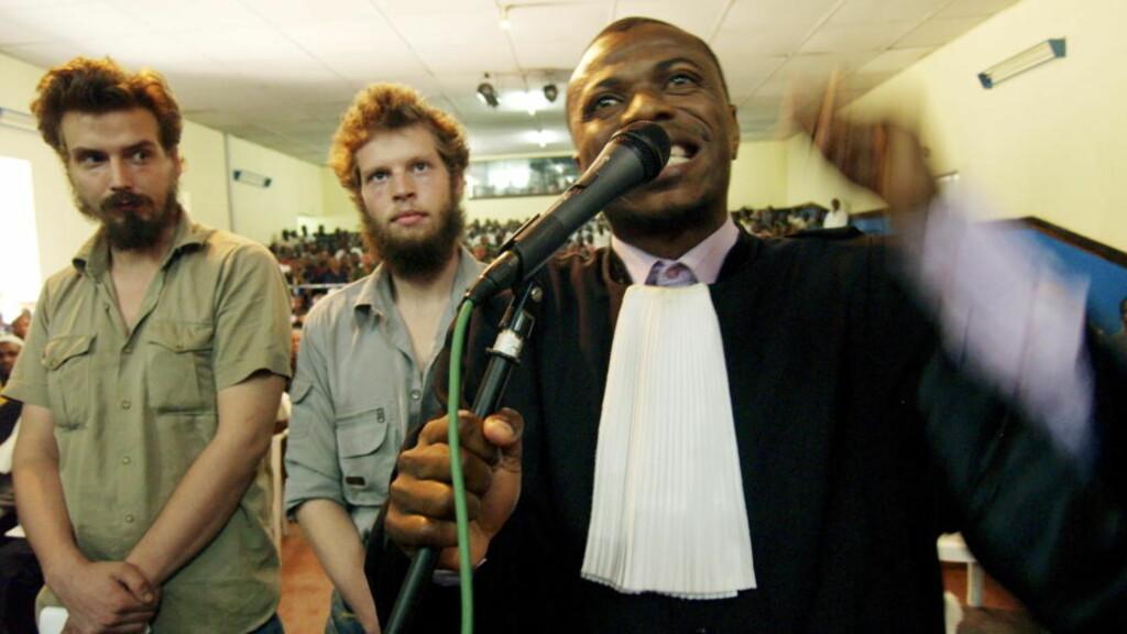 BESTIKKELSESTILBUD: Moland og Frenchs advokat André Kibambe bekrefter at han ble tilbudt å «kjøpe» tiltalepunkter. Rettssaken ble imidlertid ytterligere utsatt. Foto: Torgeir Krokfjord