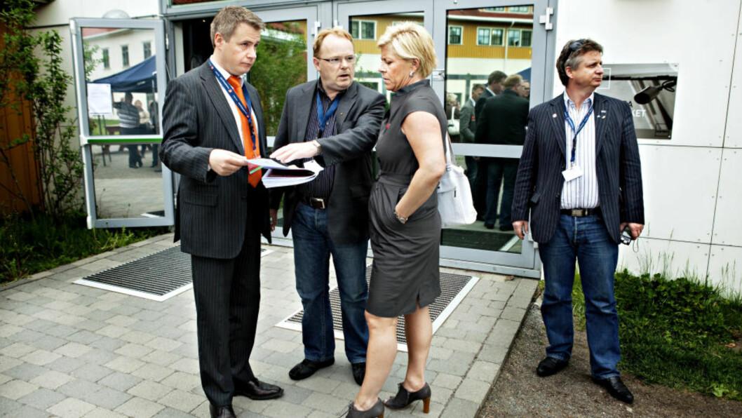 MOT SÆRBEHANDLING: Frp-leder Siv Jensen, nestleder Per Sandberg og innvandringspolitisk talsmann Per-Willy Amundsen (tv).  Foto: Nina Hansen / Dagbladet