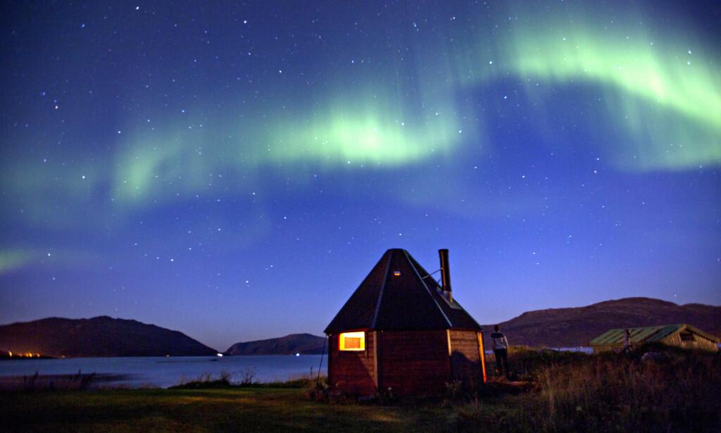 SPEKTAKULÆRT: Nord-Norge markedsfører aktivt nordlyset som en attraksjon, og turistene strømmer på. Foto: Anita Arntzen