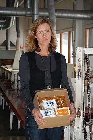 LOKALMAT: Camilla Rostad bringer gamle tradisjoner videre med sine rømmebrød, erterbrød og poteflatbrød. Foto: HOLMEN CRISP