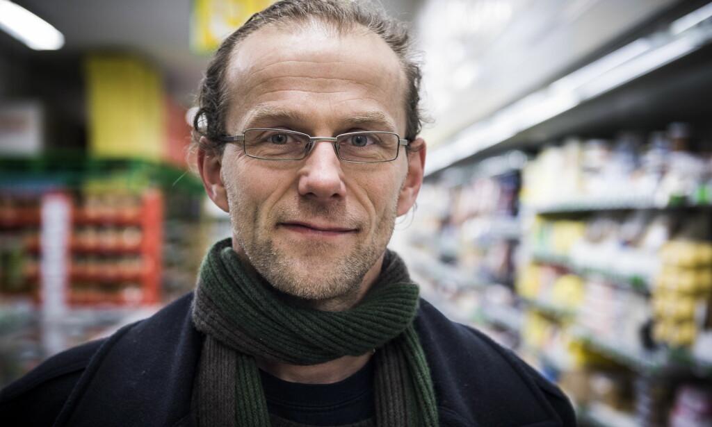 KRITISERER VEGANSK KOSTHOLD: - For 100 år siden hadde du blitt syk og sannsynligvis dødd på grunn av mangelsykdommer om du over lang tid hadde latt være å spise kjøtt, egg, sjømat og melk, sier professor Birger Svihus. Foto: Lars Eivind Bones