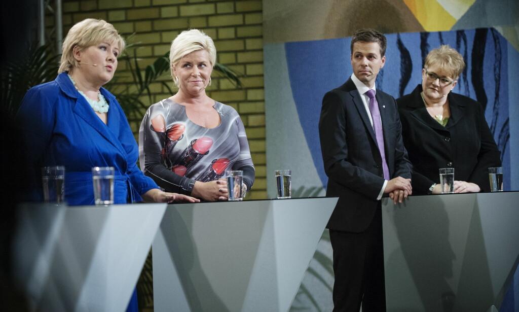 MAKTSKIFTET: Erna Solberg (H), Siv Jensen (FRP), Knut Arild Hareide (KRF) og Trine Skei Grande (V) under partidebatten på Stortinget etter at resultatet av Stortingsvalget 2013 ble klart. Foto: Benjamin A. Ward / Dagbladet