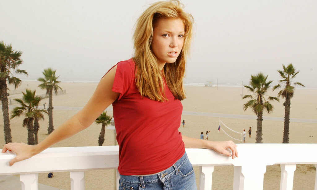 TENÅRINGSSTJERNE: Mandy Moore avbildet i 2001, 17 år gammel. Foto: Chris Weeks / AP / NTB Scanpix