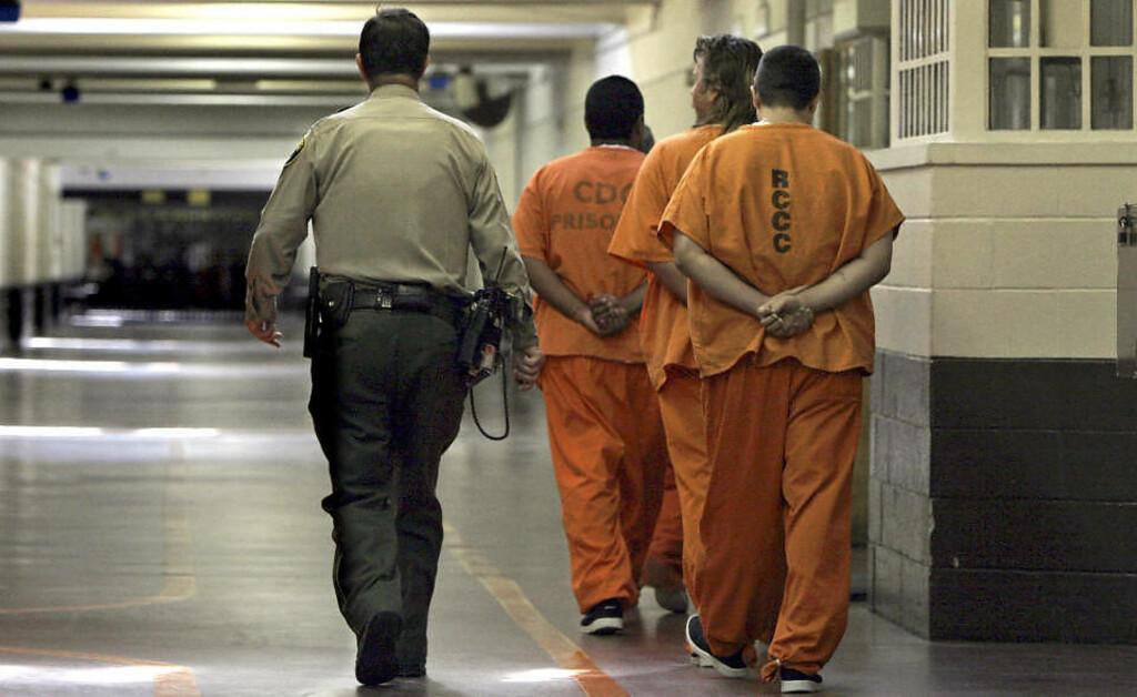 FANGENASJON: Da George W. Bush overtok som president i 2001, satt det drøyt 1,9 millioner innsatte i amerikanske fengsler. Siden da har antallet økt med rundt 350.000. Foto: AP PHOTO