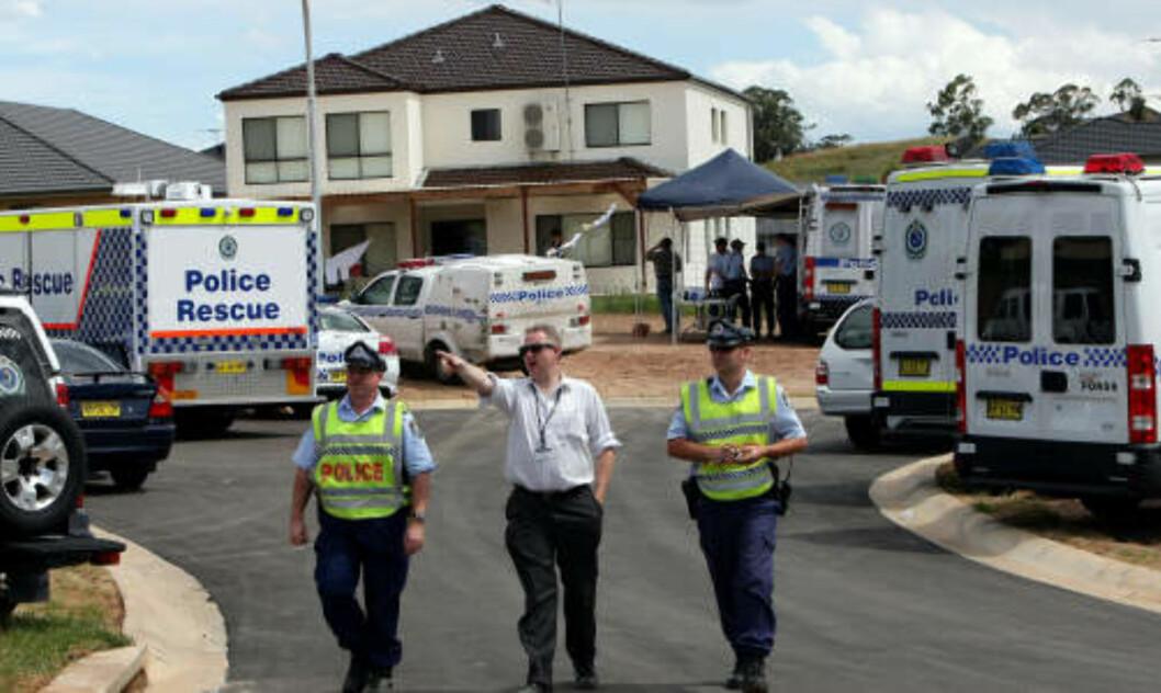 <strong>SPERRET AV:</strong> Politiet undersøkte krasjområdet utenfor Sydney. Foto: AFP