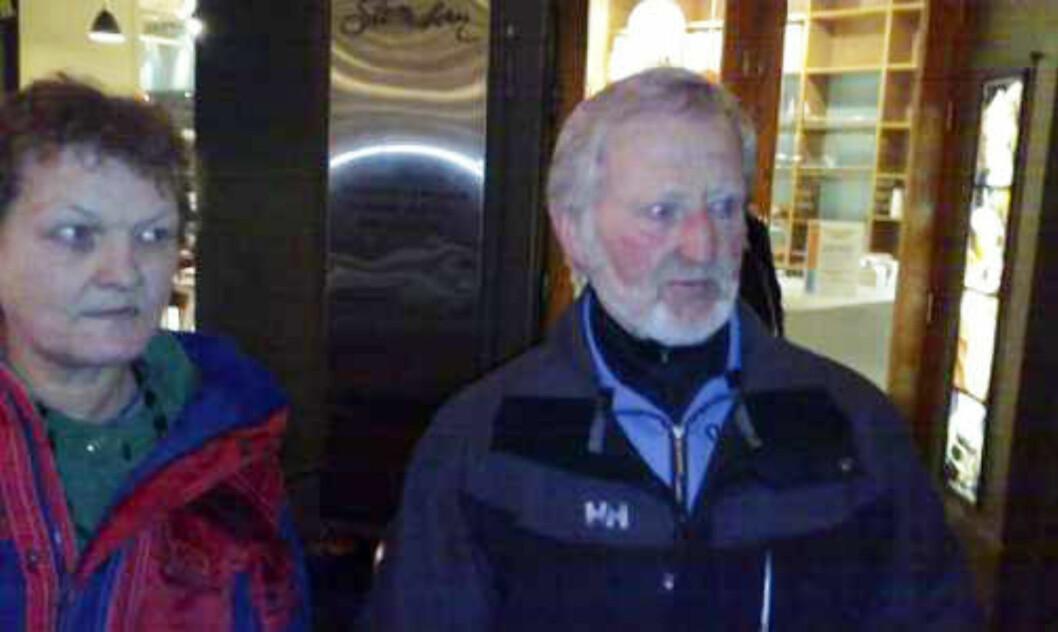 <strong>INGEN ALVORLIGE SKADER:</strong> Sverre Martin Haug var skjelven og skadet i ei hånd, men ellers lettet over utfallet av den tilspissede situasjonen. Han var egentlig på vei for å delta i det fredelige fakkeltoget fra Youngstorget, men fikk nok av demonstrasjoner for kvelden.  MMS-foto: HARALD S. KLUNGTVEIT