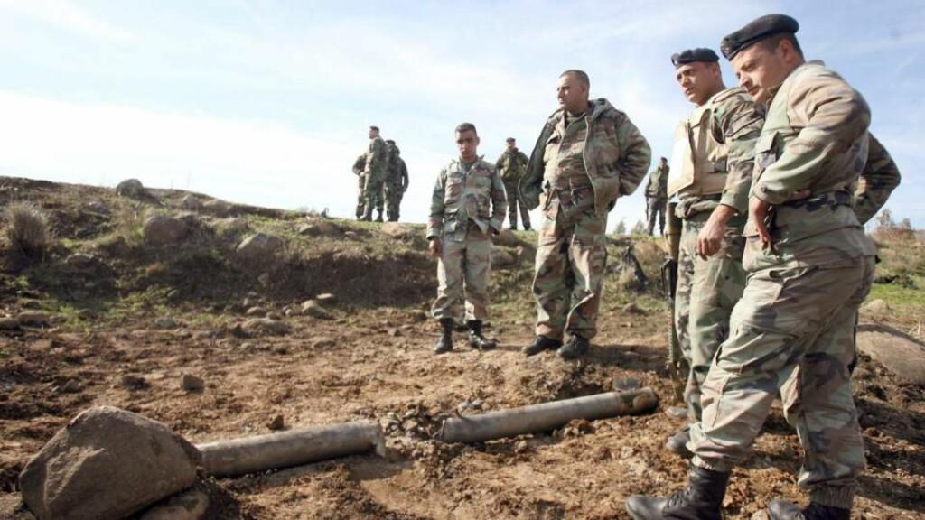 UKJENT OPPHAV: Nye raketter ble skutt over grensa fra Libanon til Israel. Fremdeles er det ukjent hvem som står bak. Foto: EPA/HASSAN BAHSOUN/SCANPIX