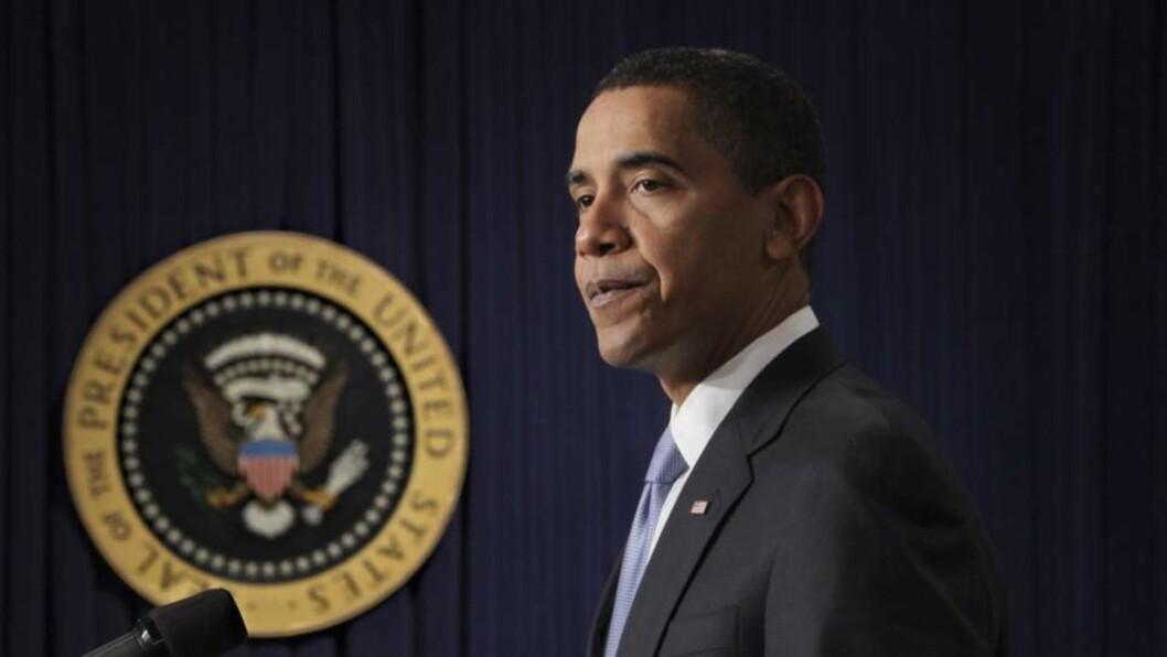 <strong>MANGE OPPGAVER I VENTE:</strong> USAs president Barack Obama hadde en aktiv første arbeidsdag i Det hvite hus i går. I dag er det utenrikspolitiske temaer som venter. Foto: J. Scott Applewhite/Scanpix/AP
