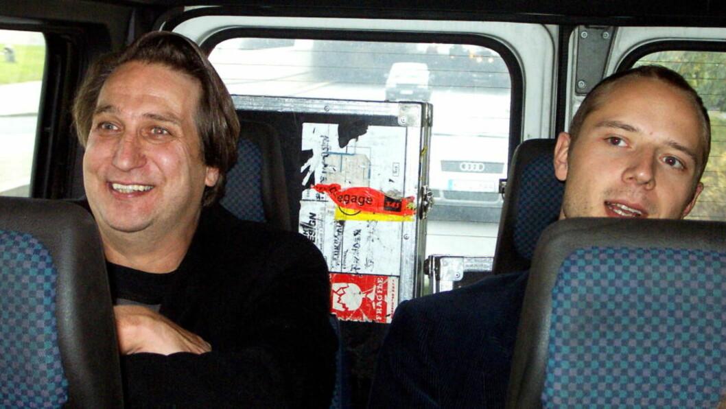 <strong>PÅ TUR MED SIVERT:</strong> Per Eirik Johansen (t.v.) har nå blitt manager for blant andre Sivert Høyem. Her er de to sammen i Tyskland i 2002. FOTO; ANDERS GRØNNEBERG