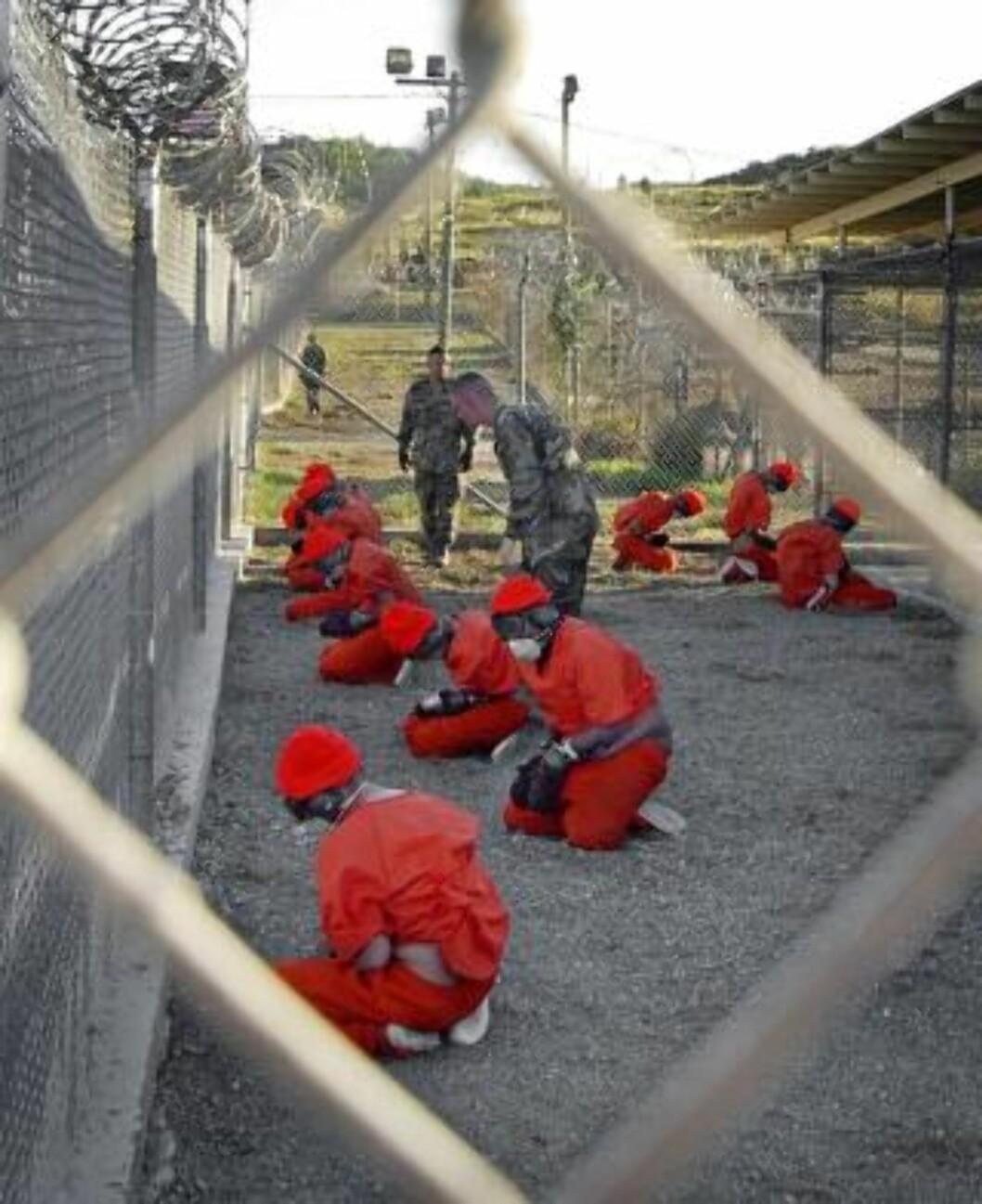 <strong>BRUKTE TORTURLIGNENDE METODER:</strong> Det har blitt bekreftet at torturlignende metoder ble brukt på Guantanamo. Nå forteller fangevokterne sine historier. Foto: Shane T.McCoy/US Navy/AP/Scanpix