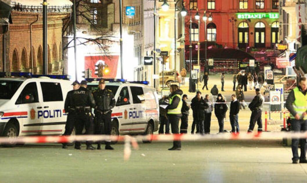 <strong>STORT POLITIOPOBUD:</strong> Pistolmannen er fortsatt på frifot. Foto: Svein Gustav Wilhelmsen