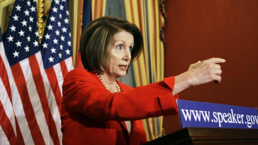 RENERE: Nancy Pelosi lover nye klimalover for USA innen et år. Foto: AP Photo/Haraz N. Ghanbari/SCANPIX