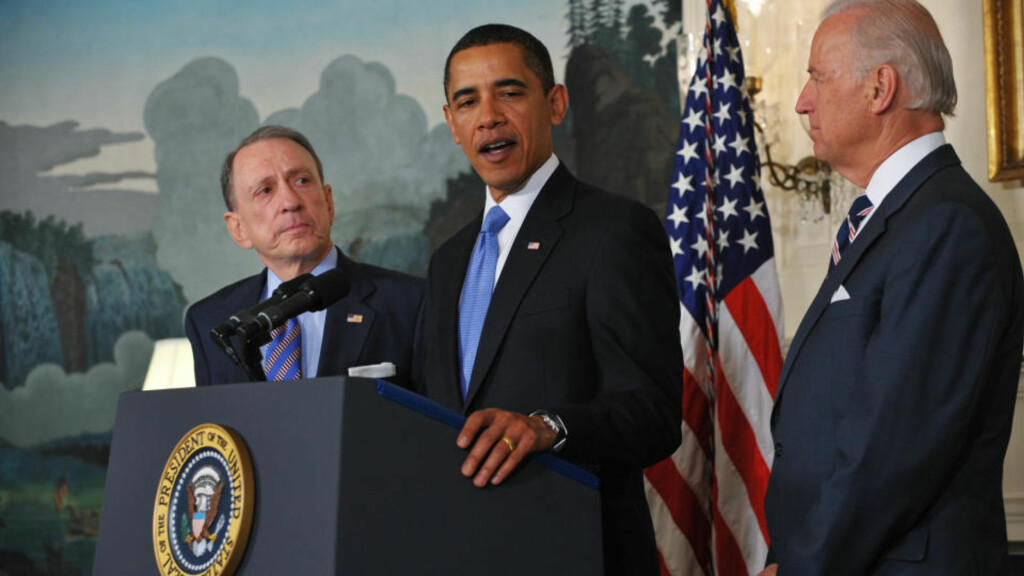 US President Barack Obama speaks as Senator Arlen Specter and Vice President Joe Biden looks on, April 29, 2009 in the Diplomatic Reception Room of the White House in Washington, DC. Specter, a veteran Republican senator from Pennsylvania, announced April 28, 2009 that he was switching to the Democratic party.  AFP PHOTO/Mandel NGAN