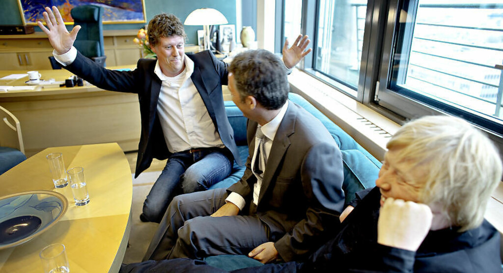 ROS: Stemningen var mildt sagt god da manager Jan Fredrik Karlsen (t.v) , Jens Stoltenberg og artist Kurt Nilsen møttes på Statsministerens kontor. - Kurt og jeg er Ap-folk, slår Karlsen fast. I morgen møtes de igjen til 1. mai-arrangement på Slemmestad i Røyken.