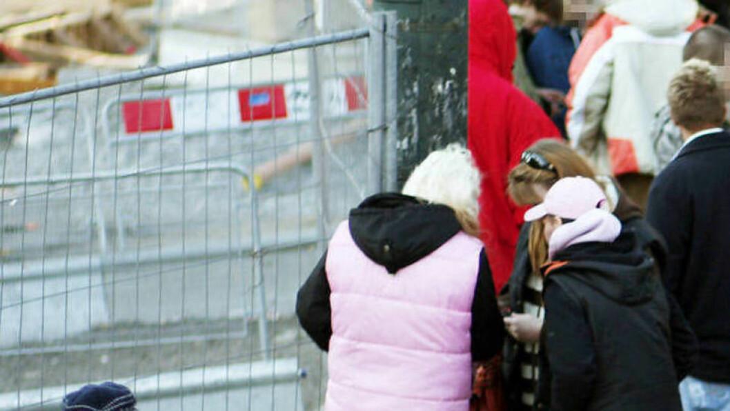 <strong>NARKOTRAFIKK FORAN OSLO S:</strong> Slike scener bør heller utspille seg foran Stortinget, mener Oslo-politiet. Foto: Sara Johannessen / SCANPIX