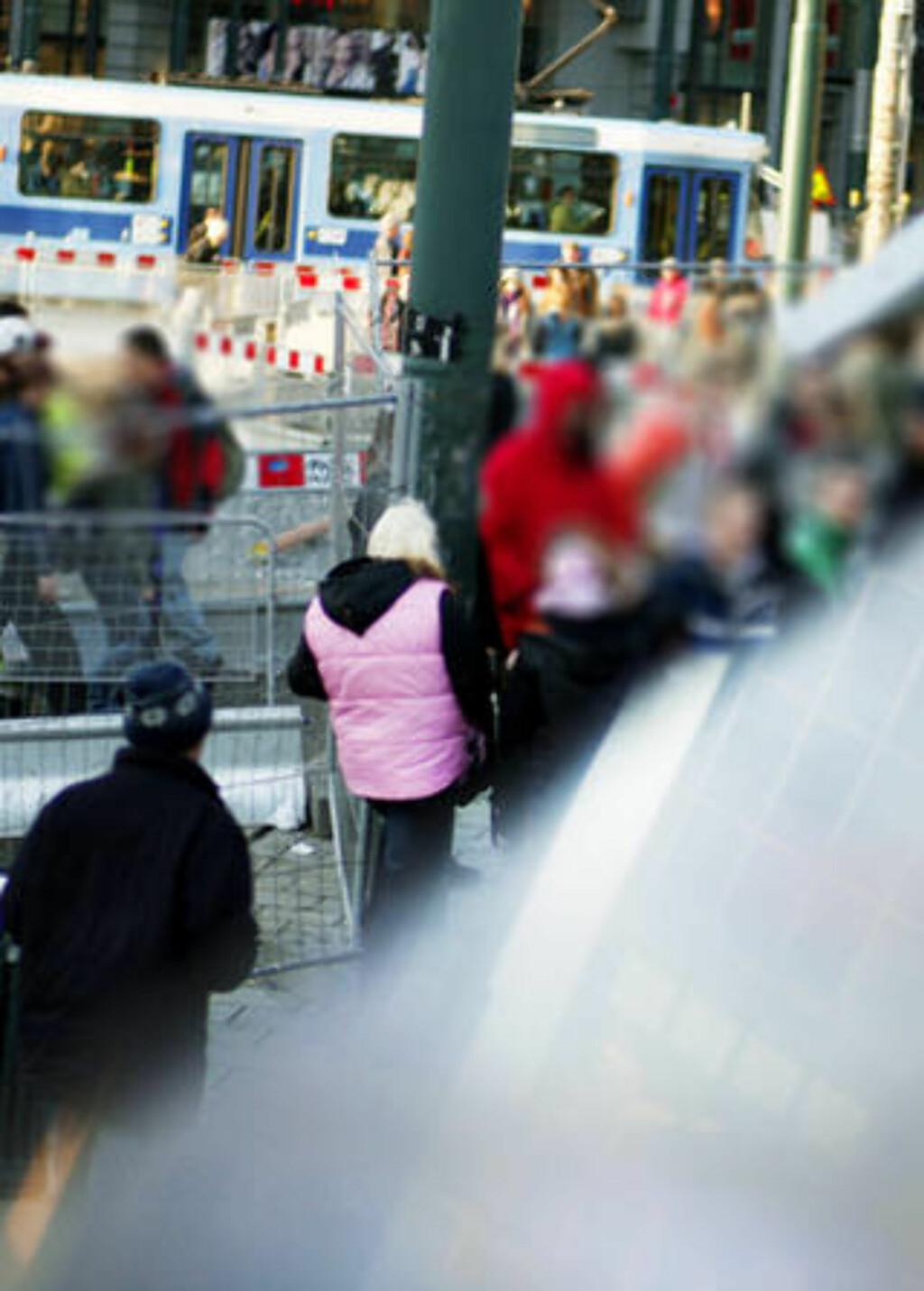 OSLO S: Store deler av hovedstadens løse fugler og narkomane holder til ved t-bane-utgangen på Oslo S, Skippergata og i Sentralstasjonsområdet.  Foto: Sara Johannessen / SCANPIX