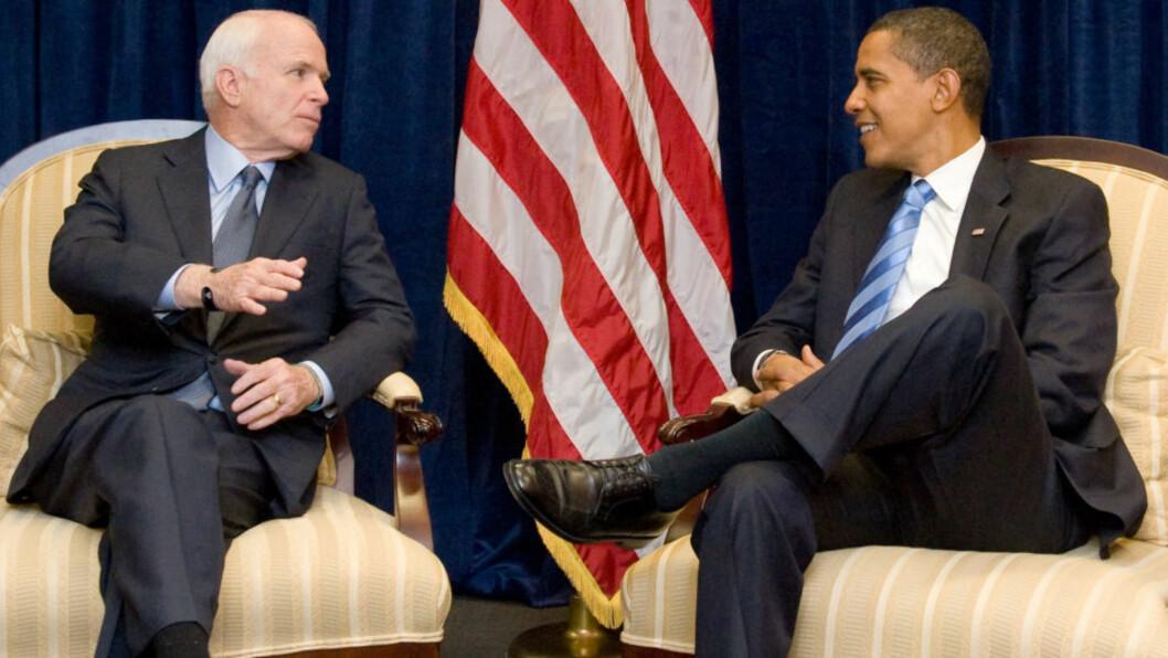<strong>GAMLE RIVALER:</strong> John McCain besøkte Barack Obama i Chicago, og de to møtes for første gang etter valgkampen. Foto:AFP/Saul LOEB/Scanpix