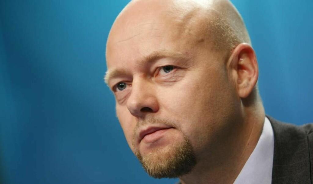 TIDENES DÅRLIGSTE: Direktør Yngve Slyngstad i Norges Bank Investment Management (NBIM) presenterte rapporten for oljefondets tredje kvartal i dag.  Foto: Erlend Aas / SCANPIX