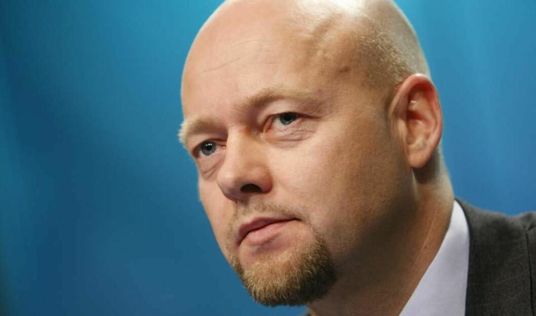 <strong>TIDENES DÅRLIGSTE:</strong> Direktør Yngve Slyngstad i Norges Bank Investment Management (NBIM) presenterte rapporten for oljefondets tredje kvartal i dag.  Foto: Erlend Aas / SCANPIX