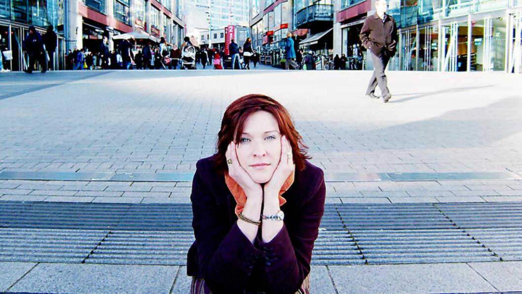 - MØTT MED LIKEGYLDIGHET: Lyse Simon føler den norske staten viser manglende respekt for pionerdykkerne og deres etterlatte. Foto: GUNNAR RINGHEIM