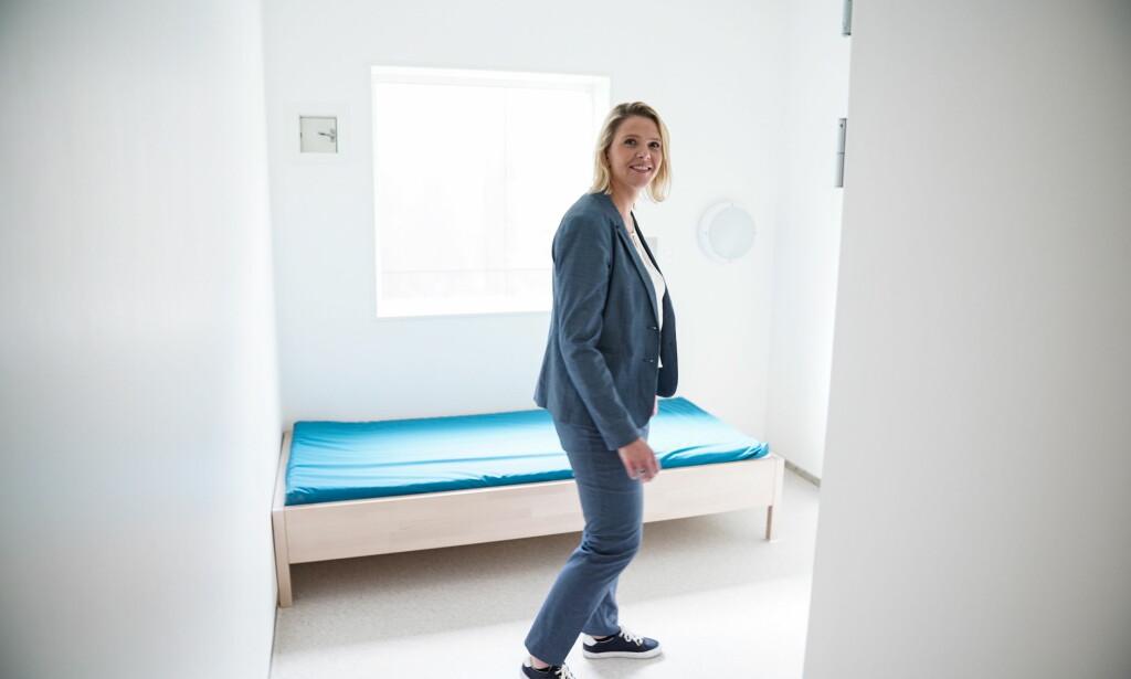 FÅR BREV: Innvandrings- og integreringsminister Sylvi Listhaug får et åpent brev fra Hamza Ali (16). Her er hun i en celle på sikkerhetsavdelinga på Trandum utlendingsinternat i sommer. Foto:Øistein Norum Monsen / Dagbladet