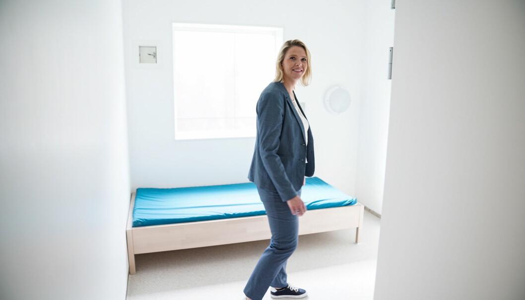 <strong>FÅR BREV:</strong> Innvandrings- og integreringsminister Sylvi Listhaug får et åpent brev fra Hamza Ali (16). Her er hun i en celle på sikkerhetsavdelinga på Trandum utlendingsinternat i sommer. Foto:Øistein Norum Monsen / Dagbladet