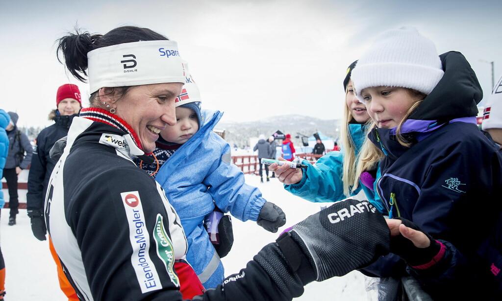 MED MARIUS: Marit Bjørgen vant kvinnenes 10 km fristil under Beitosprinten. Dette var hennes første renn etter at hun ble mor til Marius..   Foto: Bjørn Langsem / Dagbladet