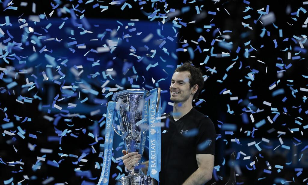 ENDELIG: Andy Murray kan feire jul som verdens beste tennisspiller. Foto: AP Photo/Kirsty Wigglesworth