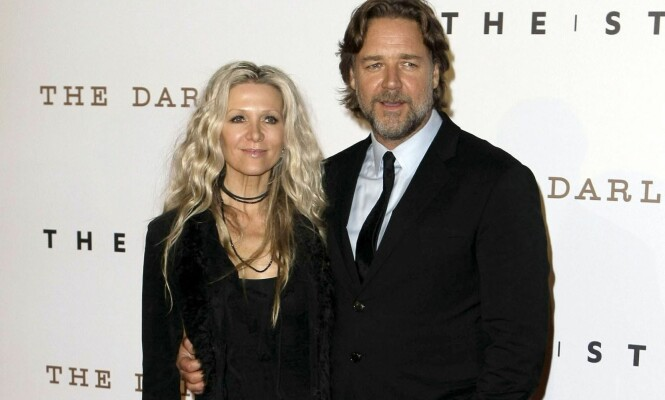 EKS-KONA: I 1989 forelsket Russell Crowe seg i sangeren Danielle Spencer. Fire år senere giftet de seg. Ekteskapet tok derimot slutt etter ni år. Foto: Scanpix.