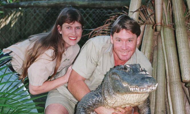 POPULÆRT PAR: Terri og Steve Irwin traff hverandre i 1991 og giftet seg kun åtte måneder senere. 14 år senere døde krokodillejegeren. Han ble bare 44 år gammel. Foto: Scanpix.