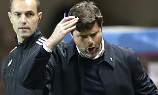 FIASKO: Tottenhams manager Mauricio Pochettino har ikke fått skikk på laget sitt i Champions League. Foto: AP / Claude Paris / NTB Scanpix