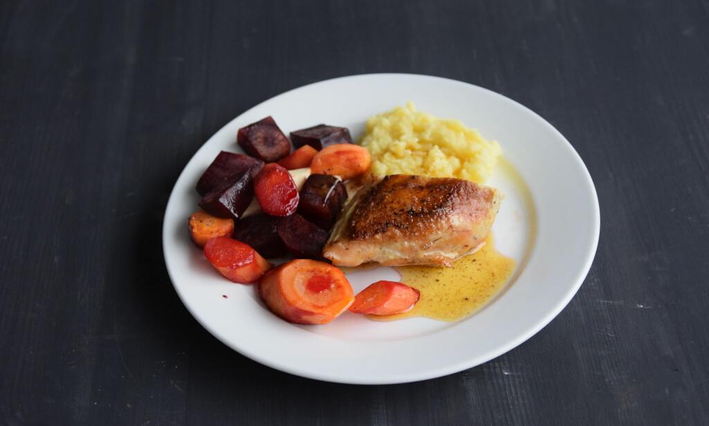 ONSDAG: Kyllingbryst med rotgrønnsaker i hvitløkssjy og potetpuré.