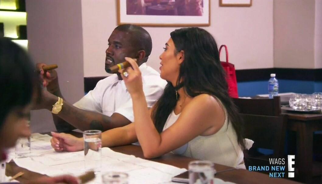POPULÆR TV-SERIE: Kanye West og Kim Kardashian i en episode av «Keeping up with the Kardashians». Kanye skal ha ønsket å få Kim til å trekke seg fra serien før han ble lagt inn på sykehus, ifølge Radaronline. FOTO: Scanpix