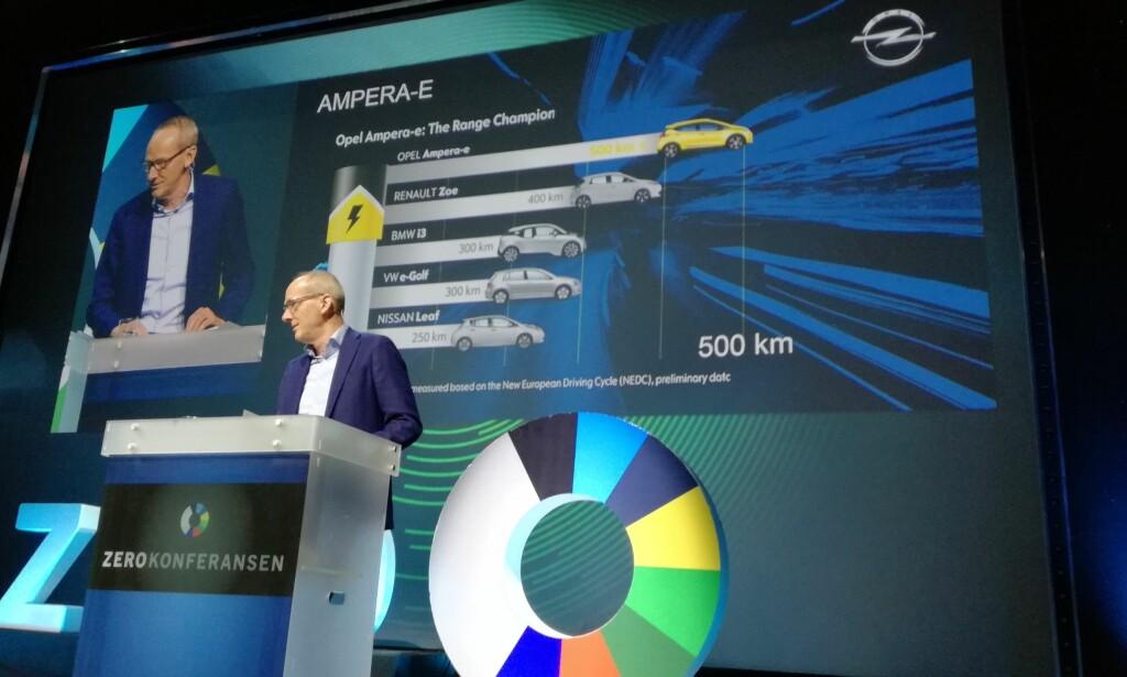 OVERBEVIST: Administrerende direktør i Opel, Thomas Neumann i Opel, under Zero konferansen som går i Oslo i disse dager. Neumann sier at utviklingen for elbiler i Norge har overbevis Opel om å satse elektrisk. Foto: Øystein Runde
