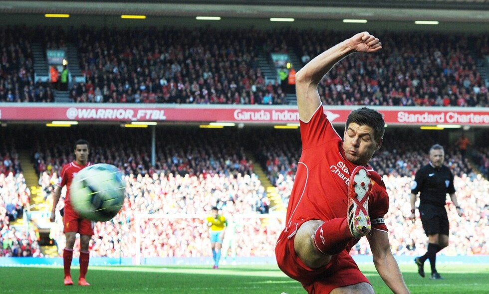 LEGGER OPP: Steven Gerrard. Foto: NTB Scanpix