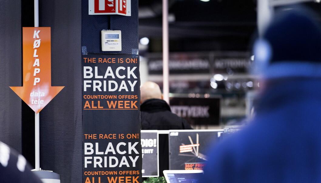 <strong>BLACK FRIDAY:</strong> Butikkene bugner av tilbud i dag. Vi har plukket ut de beste tekno-kjøpene. Foto: Gorm Kallestad / NTB Scanpix