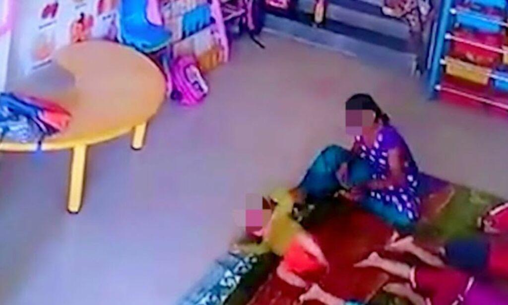 image: NB! Sterke bilder: Her blir den ni måneder gamle babyen kastet rundt og slått i en barnehage i India