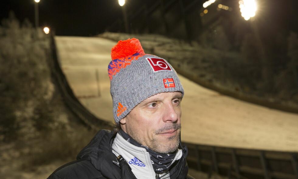 ADVARER: Landslagstrener Alexander Stöckl. Foto: Terje Bendiksby / NTB Scanpix