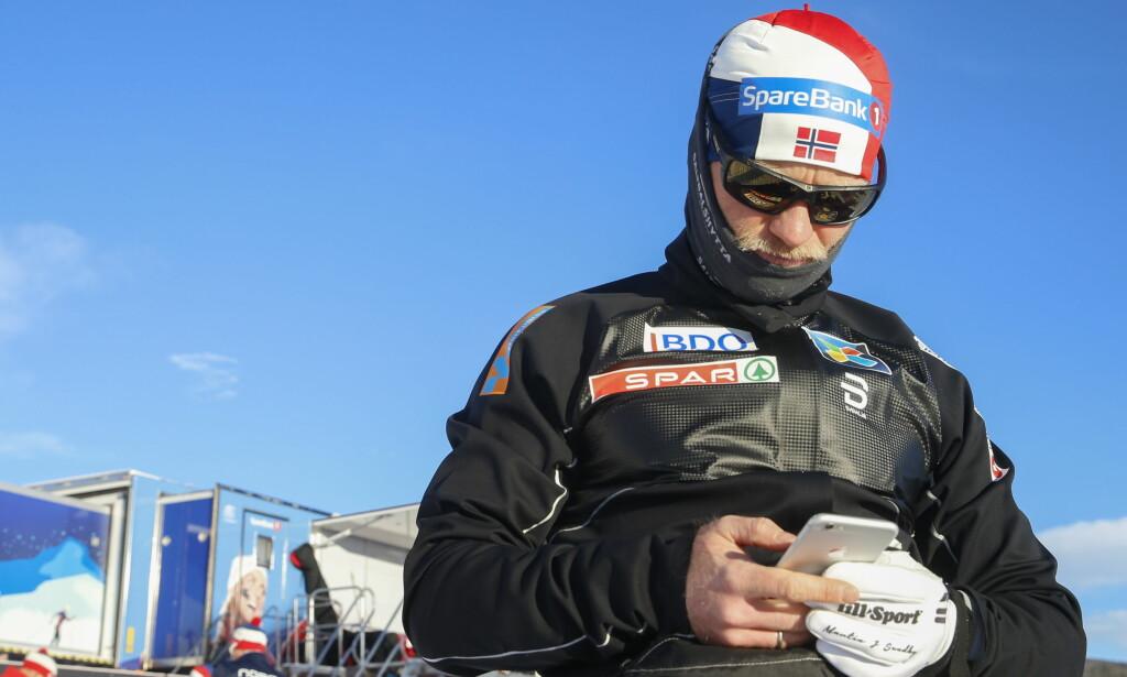 UT: Martin Johnsrud Sundby klarte ikke å ta seg videre fra dagens prolog i Ruka. Foto: Terje Pedersen / NTB scanpix