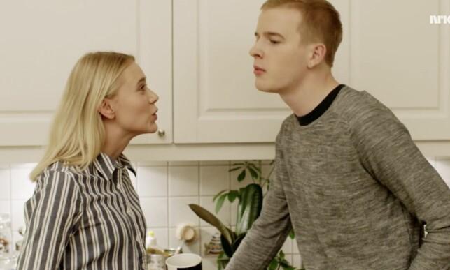 RECAP: «Halloooo, jeg er også med i denne serien. Veit du ikke hvem jeg er, lissom? Jeg er Noora, for hælvete. Som i «William og Noora»-Noora.» Foto: NRK