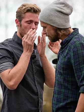 FØLELSESLADD: Verken Marius Hofsøy eller Simen Haug Henriksen klarte å holde tårene tilbake etter tvekampen. Foto: Alex Iversen / TV 2