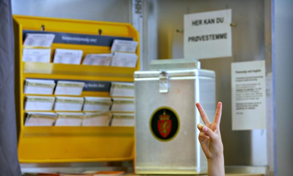 VALG: Forskere ved Institutt for samfunnsforskning har gjennomgått resultatene etter å ha gitt flere ungdom stemmerett ved kommunevalget i fjor. Foto: Aftenposten / NTB Scanpix