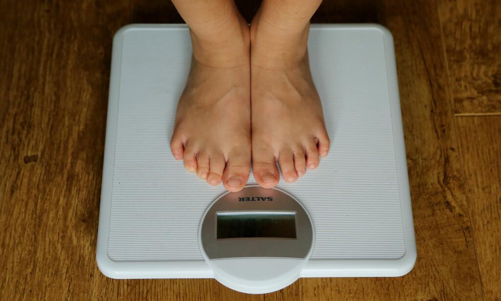 <b>MER BORTE FRA JOBB: </b>Overvektige nordmenn i 50-årene tar ut tre ganger så mange sykedager som dem med en BMI på under 30. Foto: NTB Scanpix