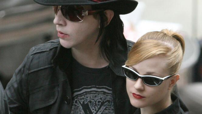 - Manson og Wood brøt forlovelsen